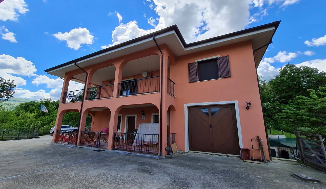 A home in Italy3700