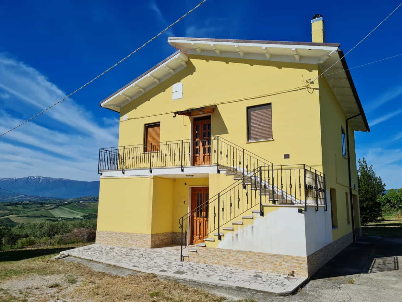 Ref 130 Large villa split into 2 apartments