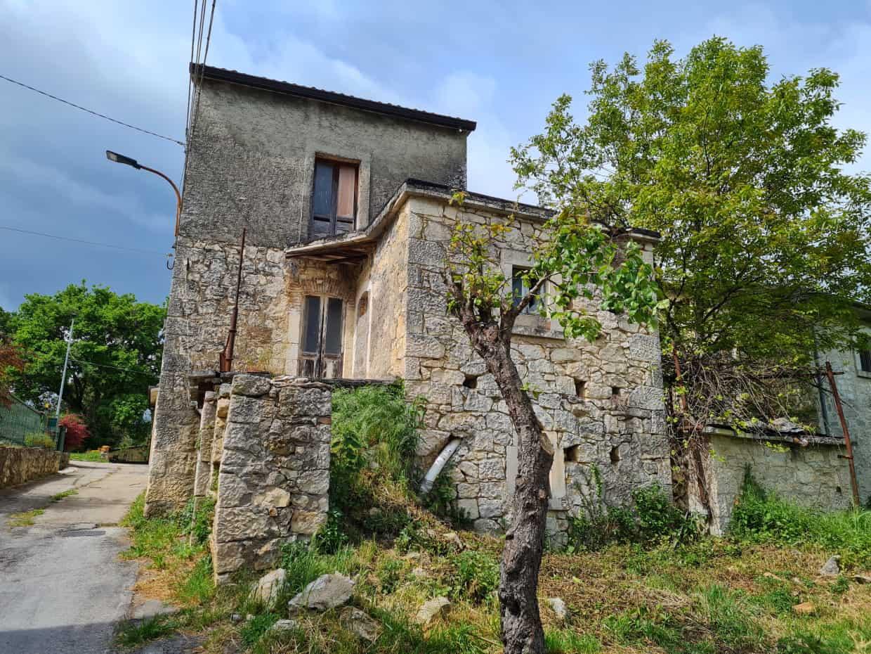 Ref 132 Beautiful stone property to restore