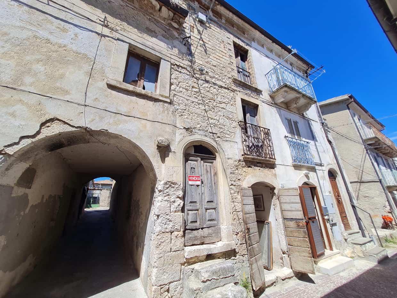 Ref 134 Stone townhouse to restore in a tourist village