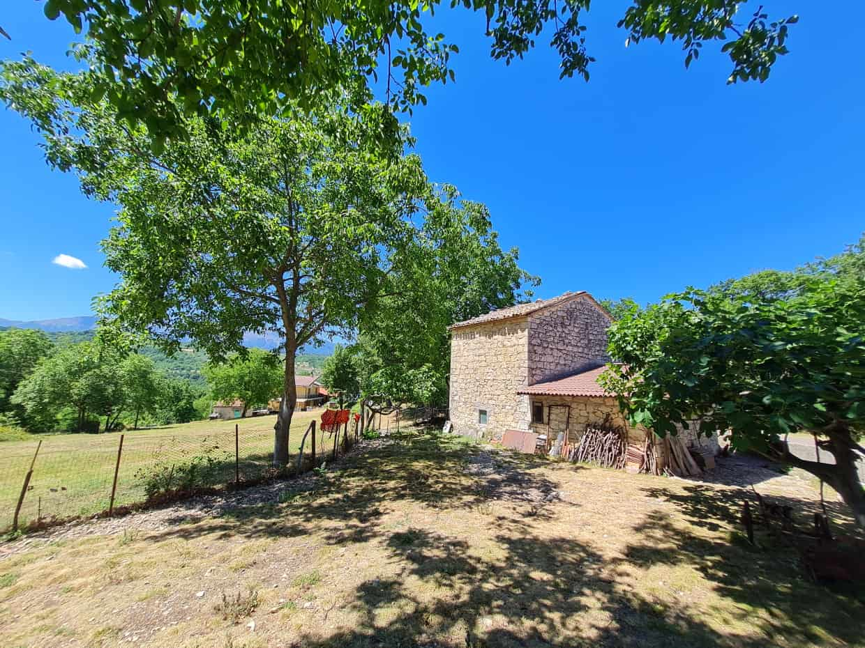 Ref 137 Beautiful stone property in a fantastic location