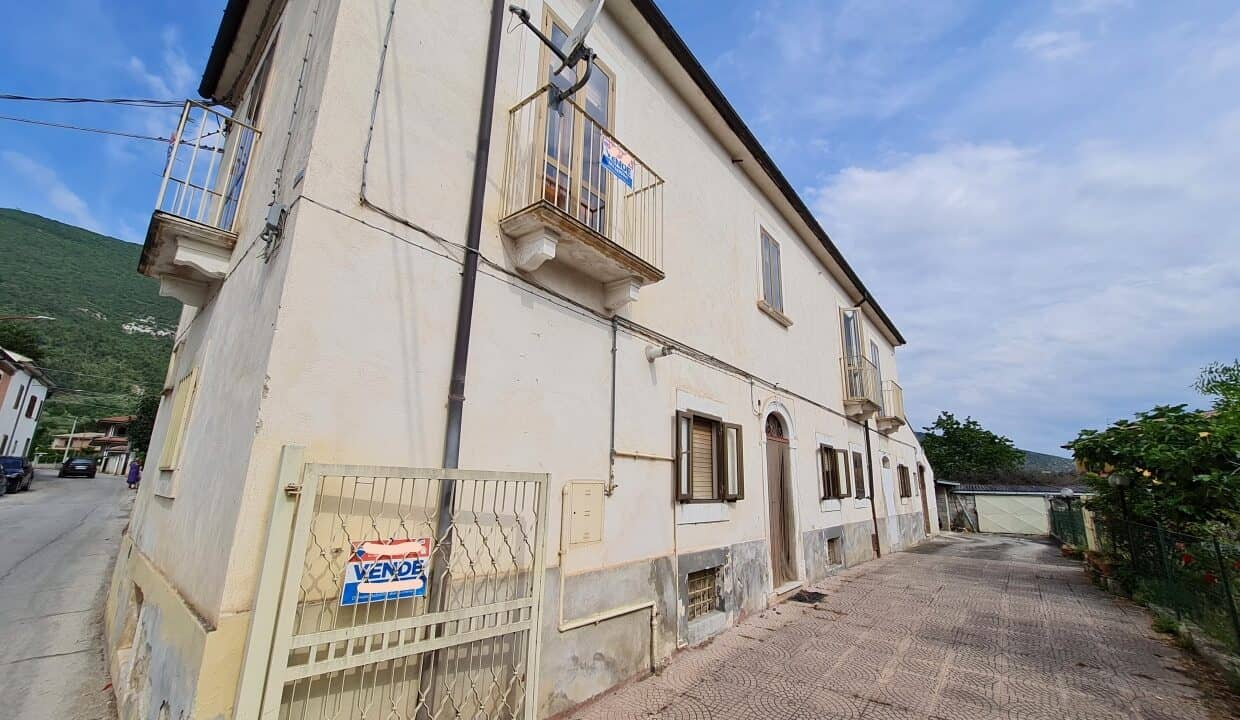 A home in Italy4551_LI