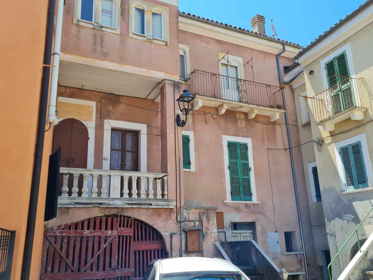Ref 140 Beautiful townhouse in a fantastic town