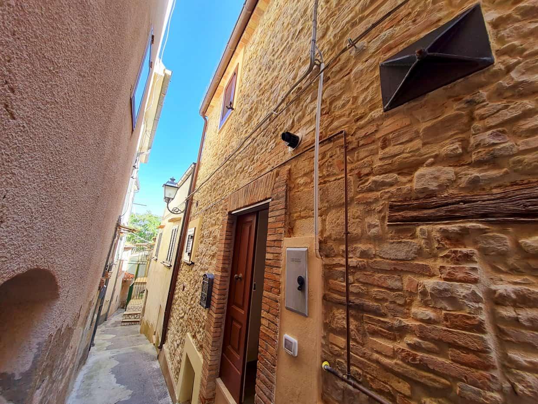 Ref 156 Beautifully restored townhouse