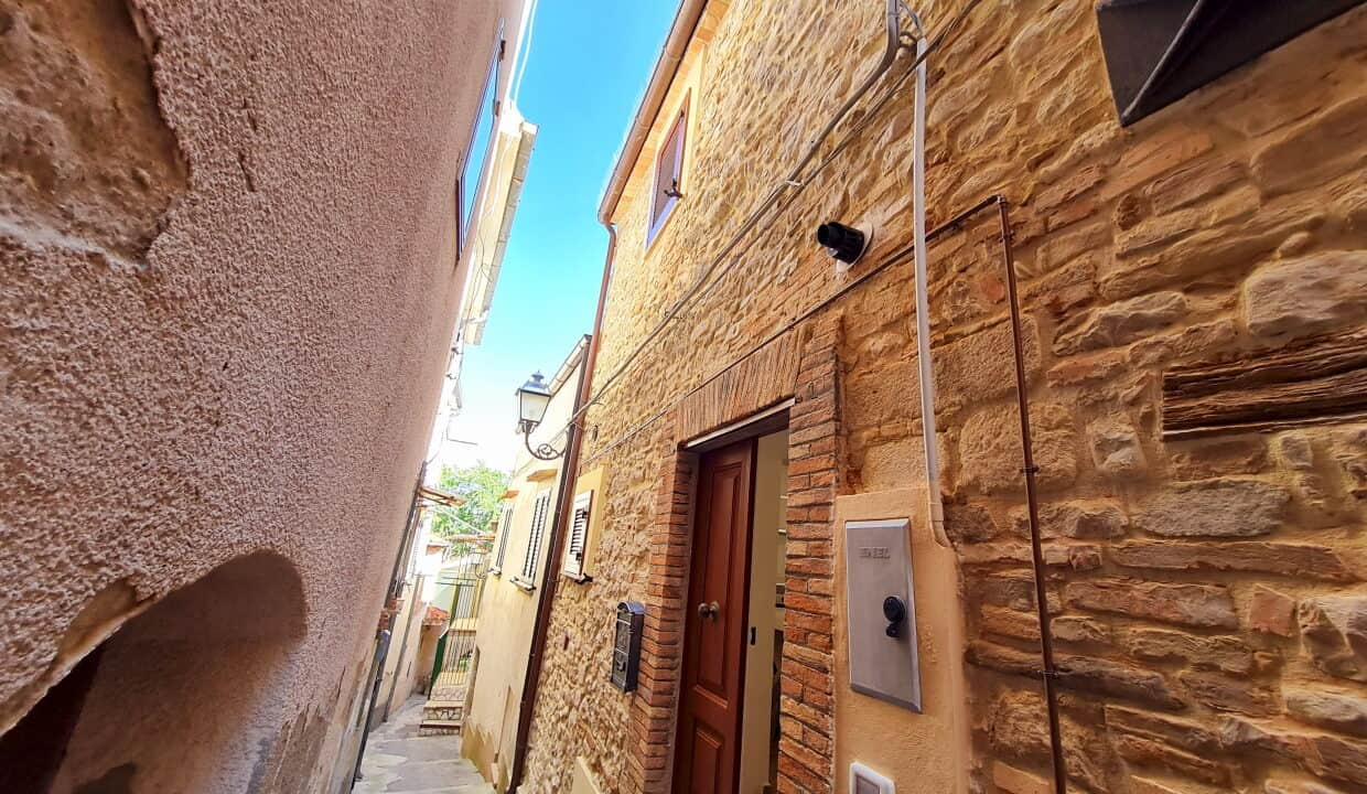 A home in Italy5252