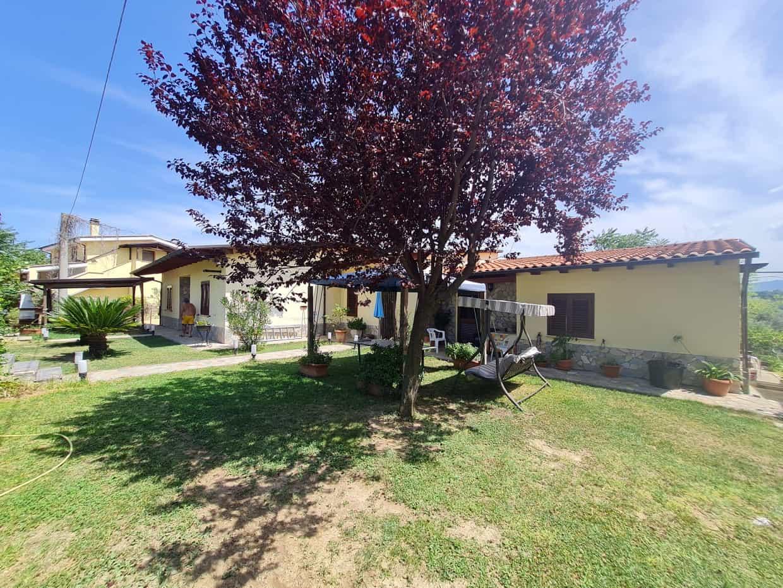 Ref 171 Stunning villa split into 2 units with land